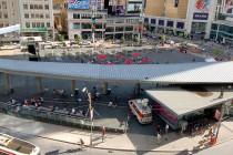 dundas square panorama 2